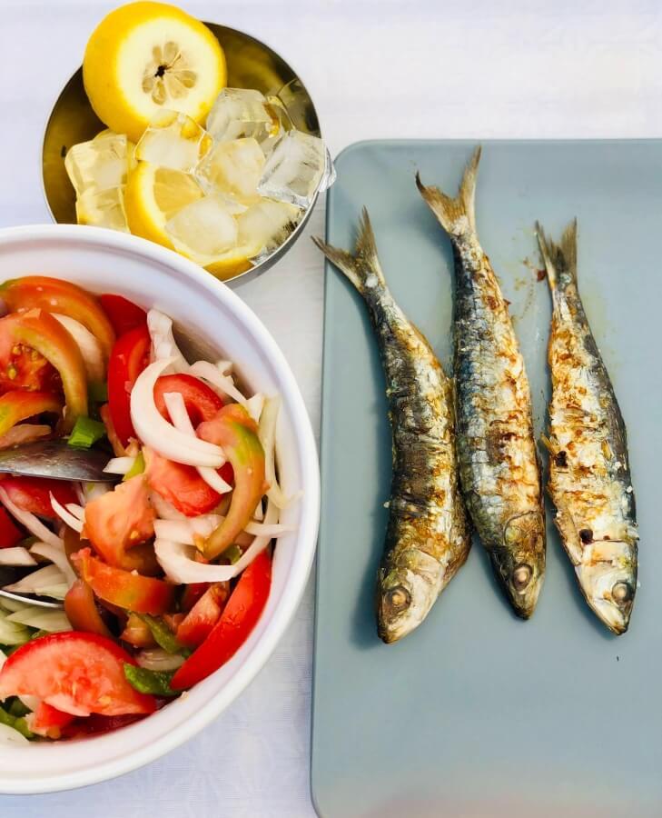Mezi tučné ryby s vysokým obsahem vitamínu D patří například makrela