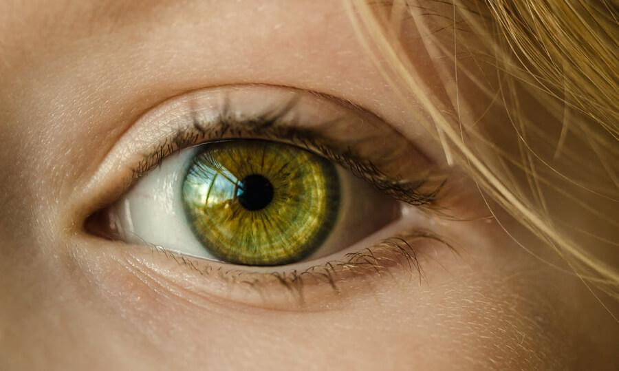 Pálí vás oči? Může jít o syndrom suchého oka.